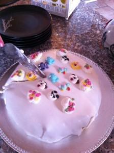 Tårtans tema var barn(sligt).